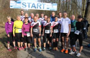Die DJK-LäuferInnen kurz vor dem Start